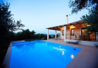 Villa in Greece, Galatas