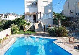 6 guest villa in Chania