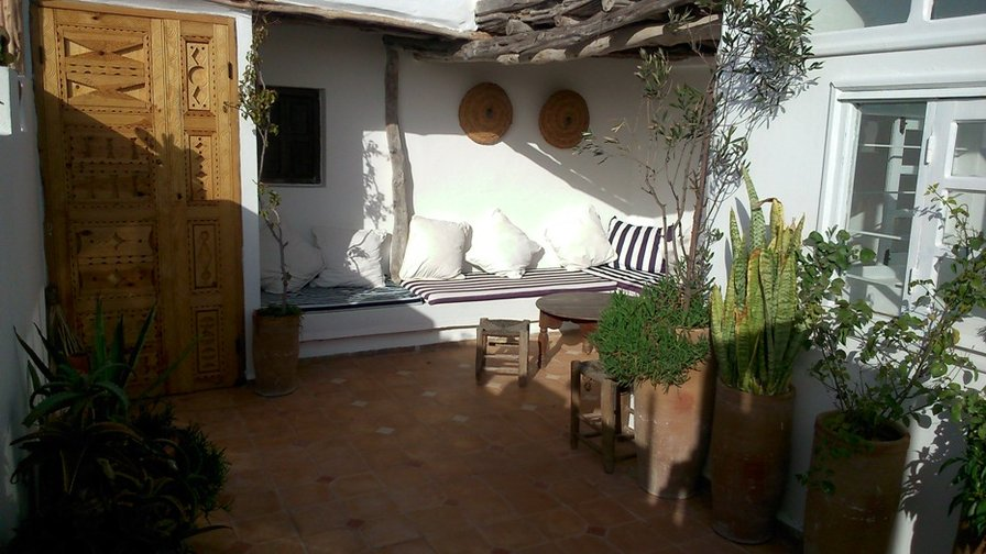 Owners abroad Tigmi Mzine, Essaouira Medina