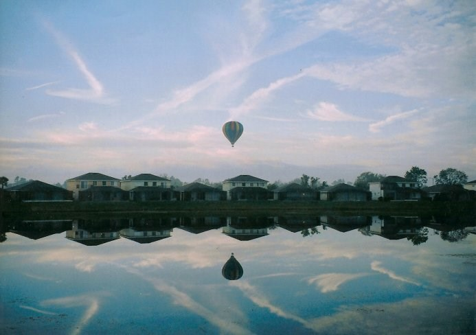 Villa in USA, Sunset Lakes: Balloons across the lake...amazing view from terrace