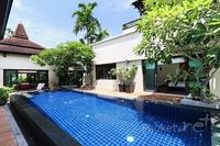 Villa in Thailand, Bang Tao Beach: View from garden towards master bedroom and lounge