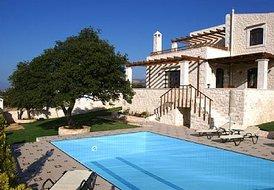 8 guest villa in Crete