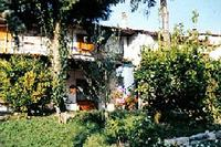 Apartment in Italy, Bagnone: The house and garden