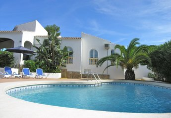 Villa in Spain, Toscal: Villa Palmera-Javea. Beautiful, sleeps 8-10. Private pool. Free WIFI.