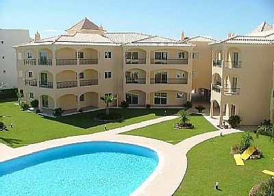 Apartment in Portugal, Vilamoura: pool and gardens