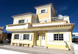Luxurious Detached Villa with Swimming Pool