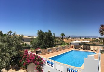 3 bedroom Villa for rent in Carvoeiro