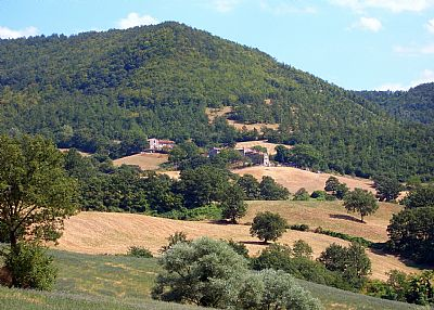 Farm house in Italy, Pieve Santo Stefano: Villa Ceccherini is the one at the front