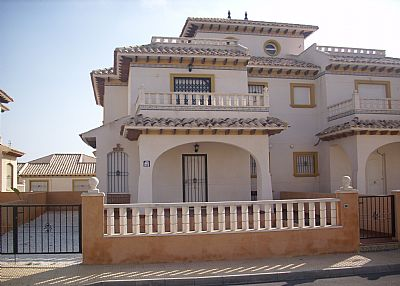 Villa in Spain, Urbanización Lomas de Don Juan: Exterior of Villa