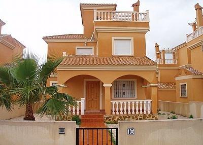 Villa in Spain, Rojales: Exterior of this Beautiful Villa