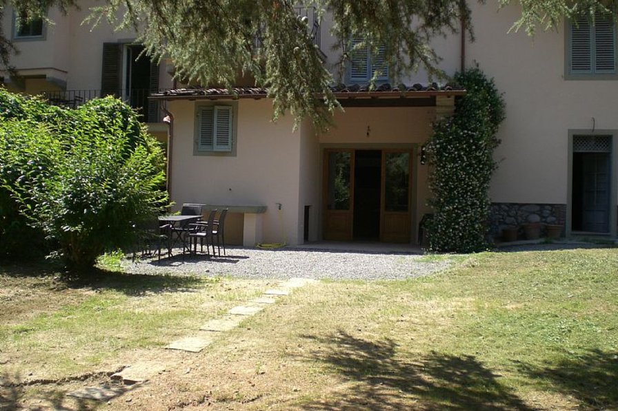 House in Italy, Bagni di Lucca: Garden view of Teresa house