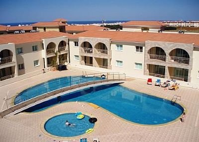 Apartment in Cyprus, Kapparis: Swimming pool and childrens pool