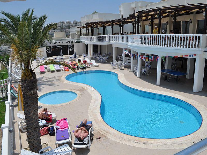 Villa in Turkey, Tuzla Lake: Main pool area