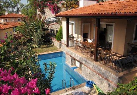 Villa in Gocek, Turkey: Pool and terrace