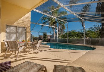 Villa in USA, Aylesbury: Relax by the Pool