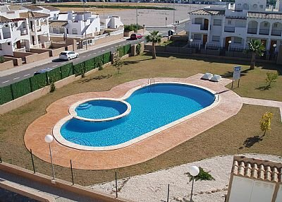 Apartment in Spain, Alicante: Beautiful Swimming Pool with Landscape Garden