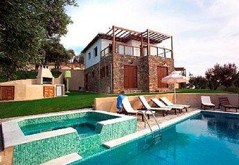 House in Greece, Skiathos: The villas