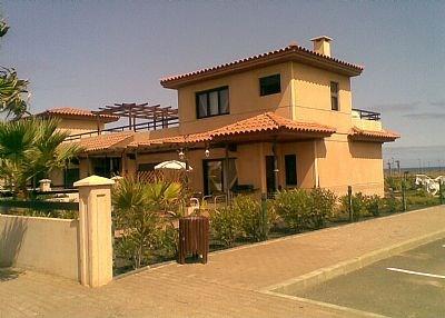 Villa in Spain, Majanicho: Villa Calina and parking bays at side of Villa garden