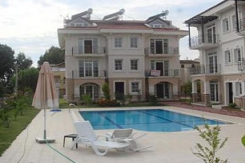 Beach apartment in calis beach turkey with shared pool for Covent garden pool table