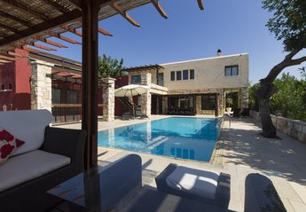 4 bedroom Villa for rent in Tala