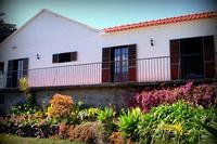 House in Portugal, Funchal: All bedrooms have access east-facing terasse overviewing the garden