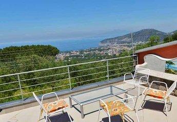 Villa in Italy, Colli di Fontanella: 01 Villa sui Colli upstairs terrace