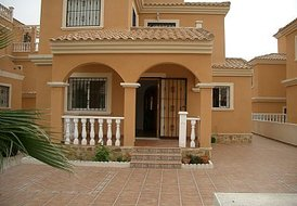 Beautiful 2 Bed Detached Villa on Urb Lo Crispin  M306