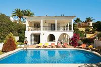 Villa in Spain, Elviria: Pool side perfect for alfresco dining.