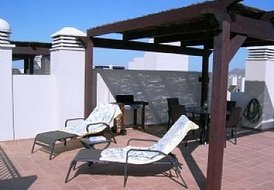Penthouse Apartment in Roda Golf Resort, Spain: sun on the terrace