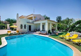 7 bedroom Villa for rent in Albufeira