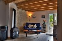 Gite in France, Charente-Maritime: Grapevine Lounge