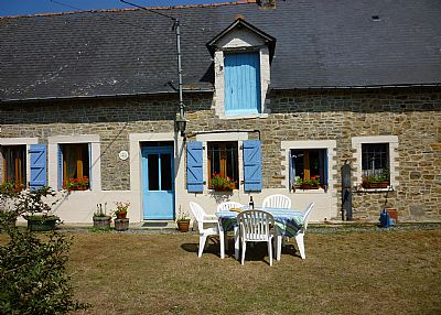 Farm house in France, Ille-et-Vilaine: Front of the house 2010