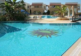 Apartment in Cyprus, Bogaz: Poolside