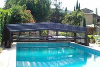 Country_house in France, South Avignon: the roof open  on the pool