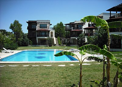 Apartment in Turkey, Yalikavak: View down the gardens