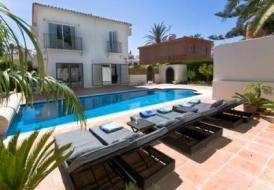 Villa BANUS4