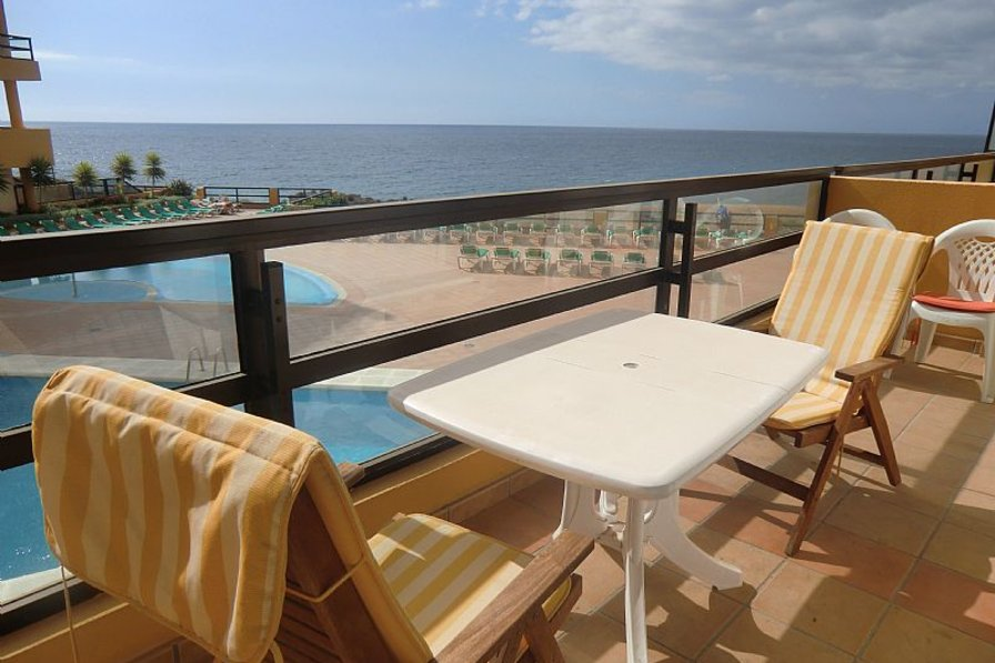Apartment in Spain, San Miguel de Abona: Gorgeous sea views from the sunny balcony
