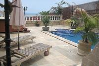 Villa in Spain, Playa de las Americas: The lovely pool area
