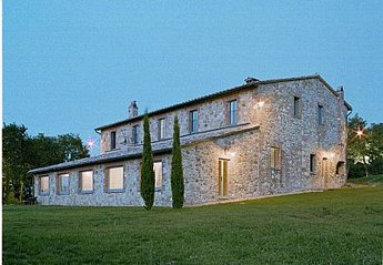 7 bedroom Cottage for rent in Montepulciano