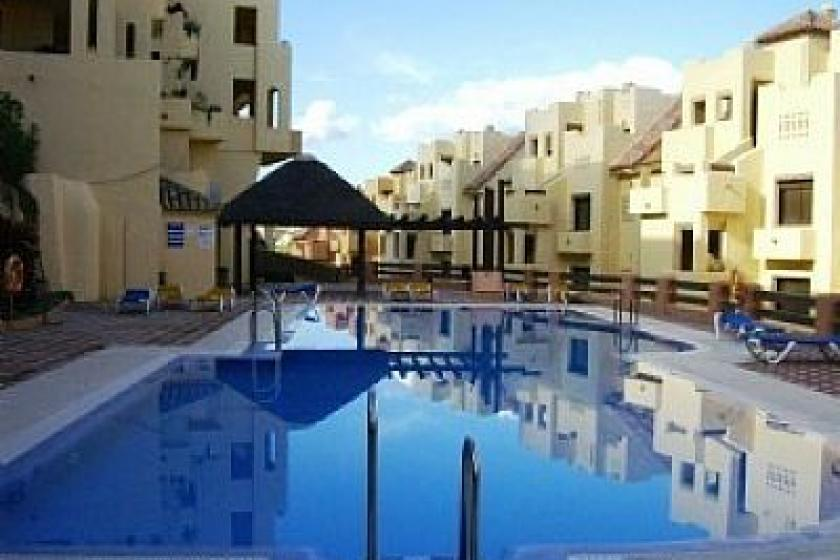 Apartment To Rent In La Duquesa Spain With Pool 75509