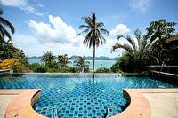 Villa in Thailand, Cape Panwa: Infinity pool and panoramic views of Chalong Bay