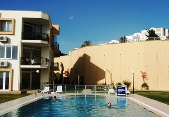 Apartment in Turkey, Gulluk: Exclusive development of just 18 apartments with a great pool
