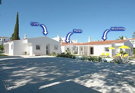 Villa Tres with 14 Bedrooms, beside the strip central Albufeira