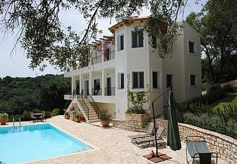 4 bedroom Villa for rent in Avlaki