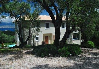 4 bedroom Villa for rent in Avlaki