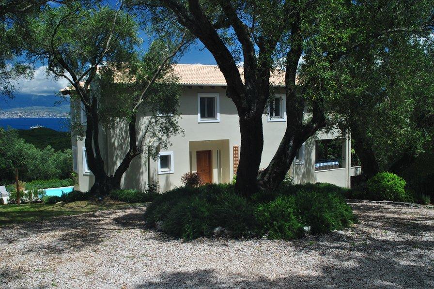 Villa in Greece, Avlaki