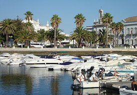 2 Bedroom Apartment in Faro city centre with WI-Fi