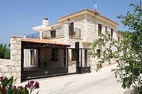Villa in Cyprus, Lyssos: Entrance to Villa