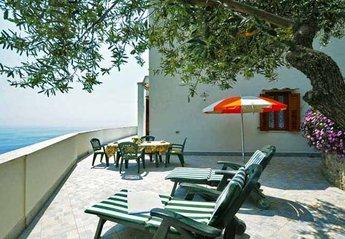 Apartment in Italy, Vettica: Il Mare private terrace