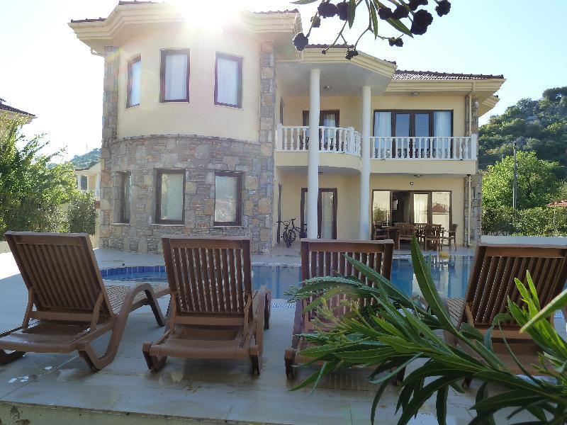 Villa in Turkey, Dalyan: Sun rising above the villa.
